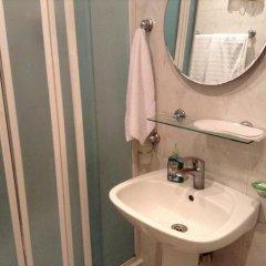 Отель No Problem Hotel at Glinka Street Армения, Ереван - отзывы, цены и фото номеров - забронировать отель No Problem Hotel at Glinka Street онлайн ванная