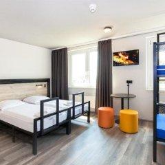Отель a&o Berlin Mitte Германия, Берлин - 4 отзыва об отеле, цены и фото номеров - забронировать отель a&o Berlin Mitte онлайн комната для гостей фото 4