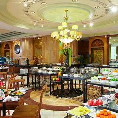 The Royal City Hotel питание