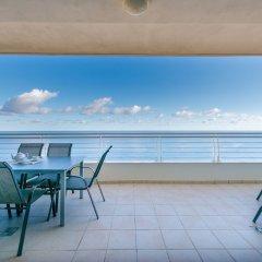 Отель THE Ultimate Luxury, Sliema With Pool Мальта, Слима - отзывы, цены и фото номеров - забронировать отель THE Ultimate Luxury, Sliema With Pool онлайн балкон