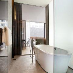 Отель The Waterhouse At South Bund Китай, Шанхай - отзывы, цены и фото номеров - забронировать отель The Waterhouse At South Bund онлайн ванная фото 3