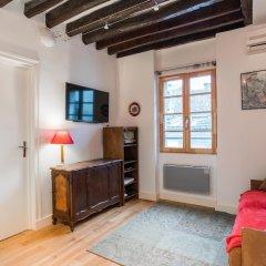Отель Temple - Le Marais Apartment Франция, Париж - отзывы, цены и фото номеров - забронировать отель Temple - Le Marais Apartment онлайн комната для гостей