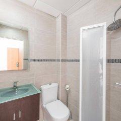 Отель Vista Alegre Hostal Кастро-Урдиалес ванная