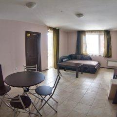 Отель Maria Antoaneta Residence Болгария, Банско - отзывы, цены и фото номеров - забронировать отель Maria Antoaneta Residence онлайн комната для гостей фото 2