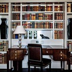 Prince de Galles, a Luxury Collection hotel, Paris развлечения