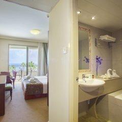 Aquamare Beach Hotel & Spa ванная фото 2