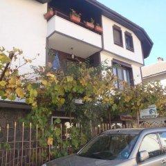 Отель Mladenova House Болгария, Ардино - отзывы, цены и фото номеров - забронировать отель Mladenova House онлайн парковка фото 2