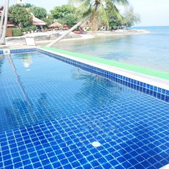 Отель Sarocha Villa бассейн фото 2