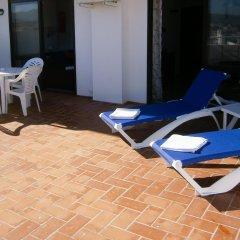 Отель Apartamentos Mestret Испания, Сан-Антони-де-Портмань - отзывы, цены и фото номеров - забронировать отель Apartamentos Mestret онлайн бассейн