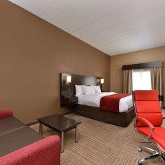 Отель Comfort Suites East комната для гостей фото 5