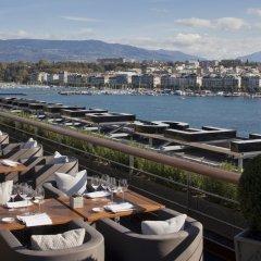 Отель Four Seasons Hotel Geneva Швейцария, Женева - отзывы, цены и фото номеров - забронировать отель Four Seasons Hotel Geneva онлайн балкон