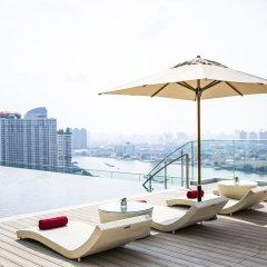 Отель AVANI Riverside Bangkok Hotel Таиланд, Бангкок - 1 отзыв об отеле, цены и фото номеров - забронировать отель AVANI Riverside Bangkok Hotel онлайн бассейн фото 2