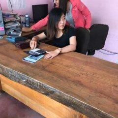 Отель Hanuman Hostel Непал, Покхара - отзывы, цены и фото номеров - забронировать отель Hanuman Hostel онлайн фитнесс-зал фото 2