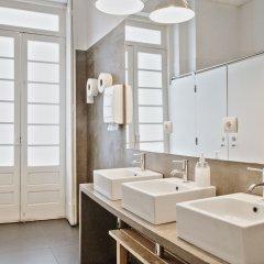 Porto Spot Hostel Порту ванная