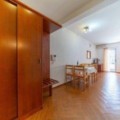 Отель SMS Apartments Черногория, Будва - отзывы, цены и фото номеров - забронировать отель SMS Apartments онлайн комната для гостей фото 3
