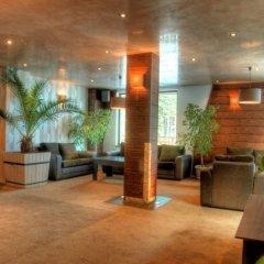 Отель Aparthotel Forest Glade Болгария, Чепеларе - отзывы, цены и фото номеров - забронировать отель Aparthotel Forest Glade онлайн интерьер отеля