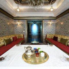 Отель Art Palace Suites & Spa - Châteaux & Hôtels Collection в номере