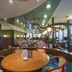 Отель Mama Shelter Prague Чехия, Прага - 10 отзывов об отеле, цены и фото номеров - забронировать отель Mama Shelter Prague онлайн питание