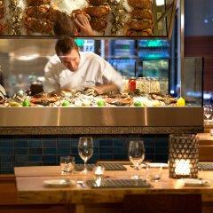 Отель Four Seasons Hotel Vancouver Канада, Ванкувер - отзывы, цены и фото номеров - забронировать отель Four Seasons Hotel Vancouver онлайн питание фото 2