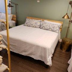 Отель LUXE Retreat at 8050 Kaymar Dr. Канада, Бурнаби - отзывы, цены и фото номеров - забронировать отель LUXE Retreat at 8050 Kaymar Dr. онлайн удобства в номере фото 2
