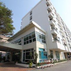 The Royal Bee Apart Hotel Бангкок вид на фасад