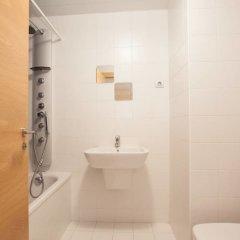 Отель Akira Flats Fira Gran Via Barcelona Оспиталет-де-Льобрегат ванная