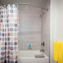 Отель Sunshine Suites At Main St США, Лос-Анджелес - отзывы, цены и фото номеров - забронировать отель Sunshine Suites At Main St онлайн ванная фото 2