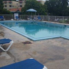 Отель Sundown Beach Studio At Montego Bay Club Ямайка, Монтего-Бей - отзывы, цены и фото номеров - забронировать отель Sundown Beach Studio At Montego Bay Club онлайн бассейн фото 2