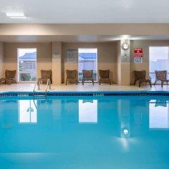 Отель La Quinta Inn & Suites Columbus West - Hilliard США, Колумбус - 1 отзыв об отеле, цены и фото номеров - забронировать отель La Quinta Inn & Suites Columbus West - Hilliard онлайн бассейн