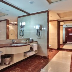 Отель UNAHOTELS Expo Fiera Milano Италия, Милан - отзывы, цены и фото номеров - забронировать отель UNAHOTELS Expo Fiera Milano онлайн ванная