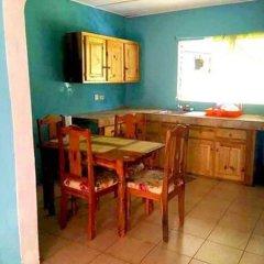 The blue Lagoon Hostel & Private Rooms в номере