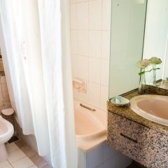 Ramee Guestline Hotel ванная