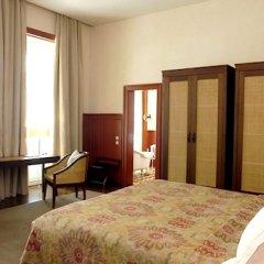 Отель Bairro Alto Лиссабон сейф в номере