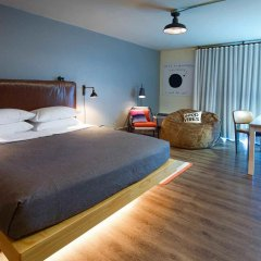 Отель MOXY Phoenix Tempe/ASU Area комната для гостей
