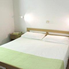 Отель Camping Zocco Centro Vacanze Манерба-дель-Гарда комната для гостей фото 2