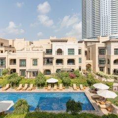 Отель Maison Privee - Burj Khalifa Community Дубай бассейн фото 3