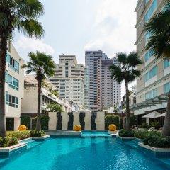 Отель Legacy Suites Sukhumvit by Compass Hospitality Таиланд, Бангкок - 2 отзыва об отеле, цены и фото номеров - забронировать отель Legacy Suites Sukhumvit by Compass Hospitality онлайн бассейн