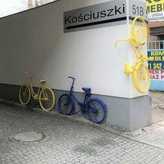 Отель RentPlanet - Apartamenty Graffiti Польша, Вроцлав - отзывы, цены и фото номеров - забронировать отель RentPlanet - Apartamenty Graffiti онлайн парковка