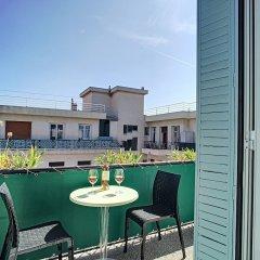 Отель Voltaire Premium by Nestor&Jeeves балкон