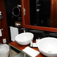 Отель Radisson Blu Hotel Португалия, Лиссабон - 10 отзывов об отеле, цены и фото номеров - забронировать отель Radisson Blu Hotel онлайн ванная фото 2
