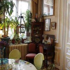 Отель Les Bluets Бельгия, Брюссель - отзывы, цены и фото номеров - забронировать отель Les Bluets онлайн гостиничный бар