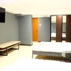 Отель Cloud Nine Lodge Бангкок бассейн