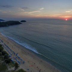 Отель Thavorn Palm Beach Resort Phuket Таиланд, Пхукет - 10 отзывов об отеле, цены и фото номеров - забронировать отель Thavorn Palm Beach Resort Phuket онлайн пляж фото 2