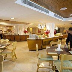 Отель Jomtien Palm Beach Hotel And Resort Таиланд, Паттайя - 10 отзывов об отеле, цены и фото номеров - забронировать отель Jomtien Palm Beach Hotel And Resort онлайн питание фото 2