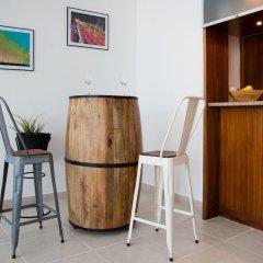 Отель HiGuests Vacation Homes-Marina Quays гостиничный бар