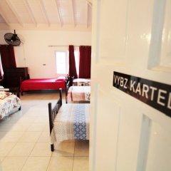 Отель Belleh23 Kingston Creative Guesthouse удобства в номере