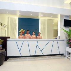 Отель Days Inn by Wyndham Patong Beach Phuket Таиланд, Карон-Бич - 1 отзыв об отеле, цены и фото номеров - забронировать отель Days Inn by Wyndham Patong Beach Phuket онлайн интерьер отеля фото 2