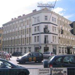 Westbahn Hotel (ex.Arthotel ANA Westbahn) парковка
