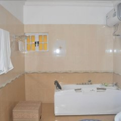 Отель Jorany Hotel Нигерия, Калабар - отзывы, цены и фото номеров - забронировать отель Jorany Hotel онлайн ванная