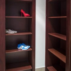 Апартаменты Dream Inn Dubai Apartments - Kamoon сейф в номере
